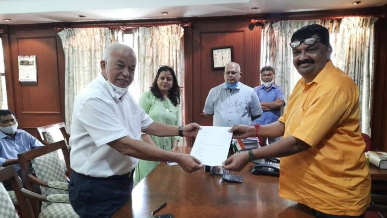Former Goa CM Luizinho Faleiro leaves for Kolkata; to be inducted into TMC on Wednesday